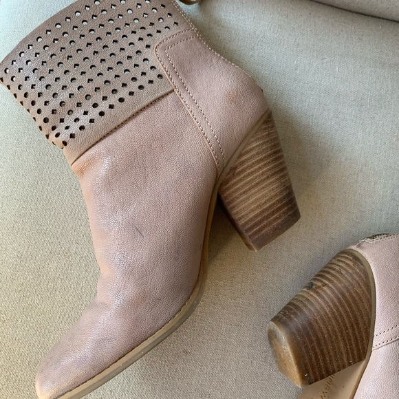 Nine West Shoes - Blush booties